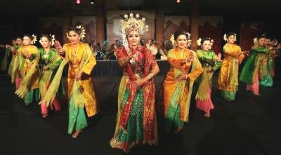 An introduction to the lesser known Mek Mulung dance